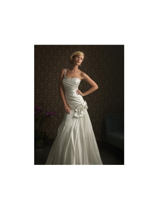Buy Allure Bridals Bridal Gown with sizes 10 8 6 in Diamond White – ID8750