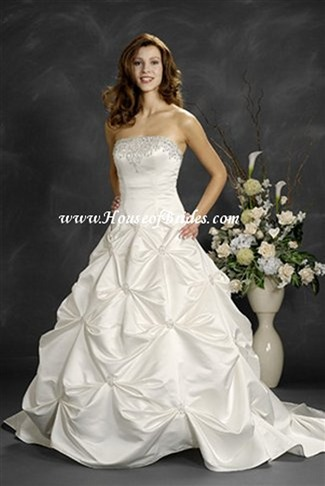 Buy Romantic Bridals Bridal Gown – 6002