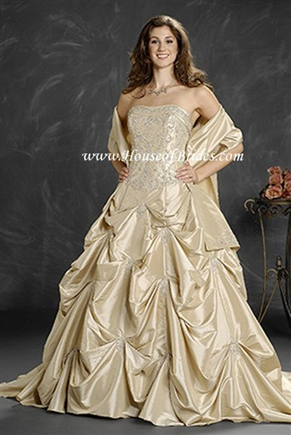 Romantic Bridals Bridal Gown - 9210 (Romantic Bridals Bridal Gowns)