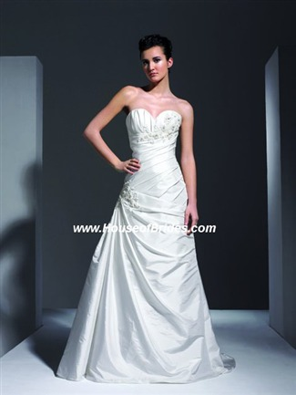The Private Collection Couture Bridal Gown - P806 (The Private Collection Bridal Gowns)