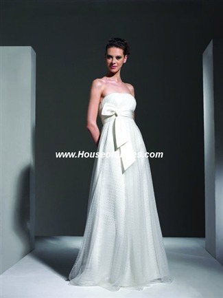 The Private Collection Couture Bridal Gown - P810 (The Private Collection Bridal Gowns)
