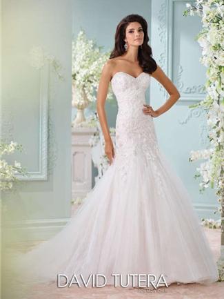 Charmant Wedding Dress. Martin Thornburg For Mon Cheri