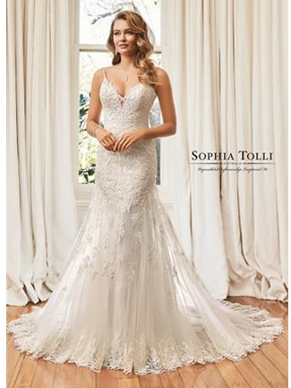 Wedding dresses in Lomita